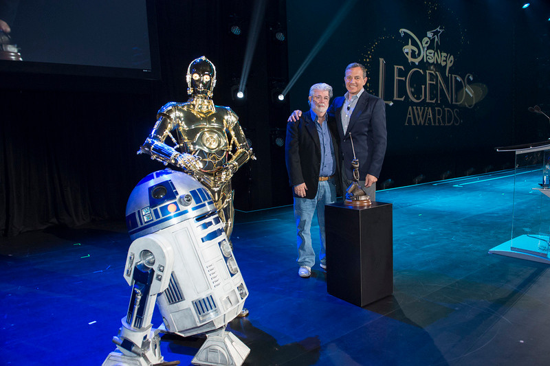 Fisher, Hamill, Oprah, and Stan Lee amongst 2017 #D23Expo Legends Awards recipients