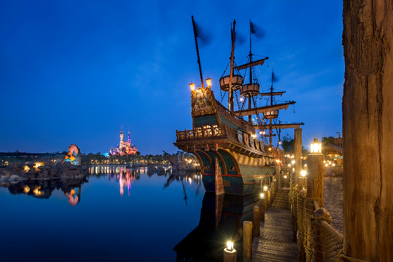 DCA celebrates opening of Shanghai Disney Resort with day-early event