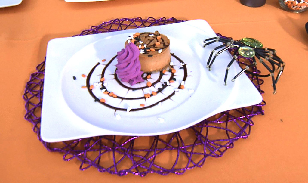 Category is: Pumpkin Cheesecake! See how NOT to plate the decadent Disneyland dessert…
