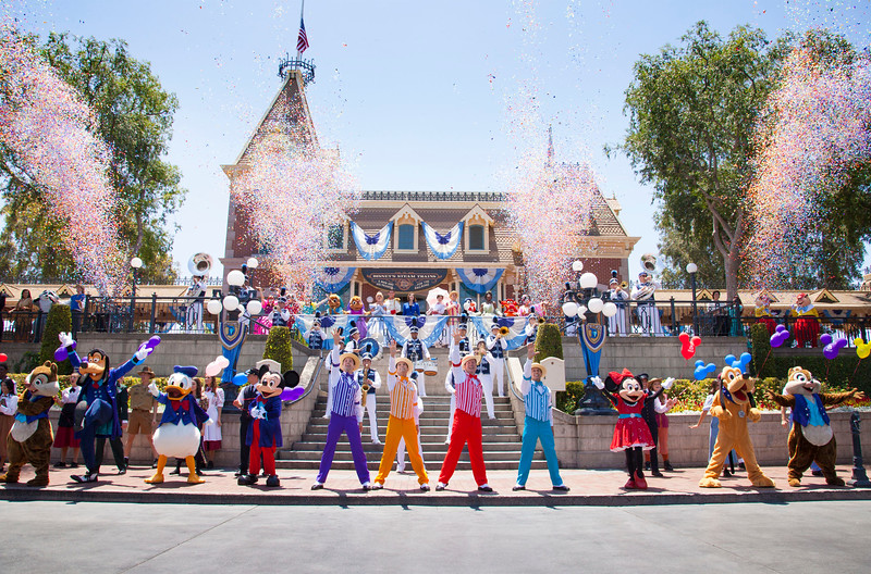 Disneyland celebrates 61st anniversary with 61 Disney characters in special re-dedication moment