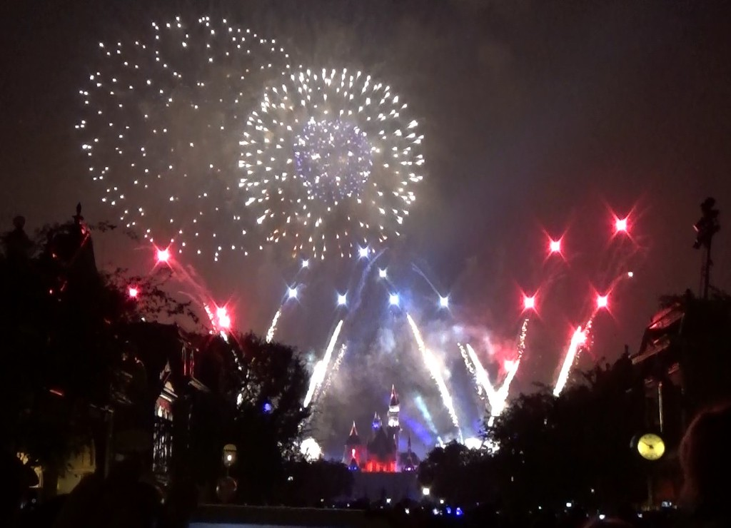 Watch: Full video of Disneyland's Fourth of July fireworks spectacular