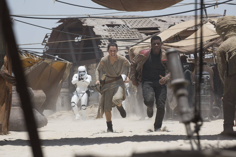 Singles party at El Capitan Theatre offers chance for fellow Disney fans to mix and mingle, see Star Wars