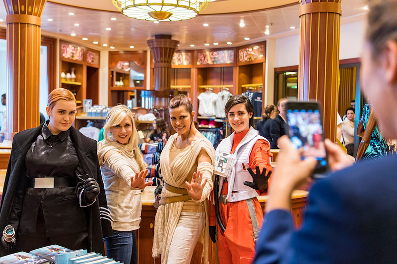 Out-Of-This-Galaxy Experiences Aboard Star Wars Day at Sea shows what will come in 2018